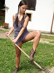 Viktoria Sweet Takes Rake Handle in Pussy – 10/7/2011