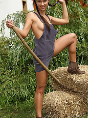 Viktoria Sweet Takes Rake Handle in Pussy – 10/7/2011