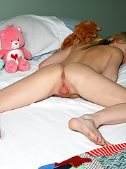 Kelly Klass Shows Off Flexibility Before Spreading to Reveal Cervix Vagina Shaved – 9/13/2011