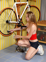 Tabitha Distorts and Teases Shaved Pussy with Bike Pump – 8/16/2011