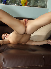 Very Flexible Tamara Jade on Leather Sofa Teen Shaved - 10/6/2010