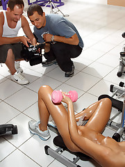 Erica Fontes Hits the Gym Before Gaped with Speculum – 10/28/2011