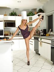 Sara Jaymes and Franziska Heat Up the Kitchen – 10/21/2011