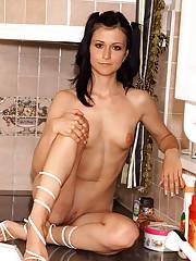 Tanita Has Fun with Amy Lee - 5/8/2007