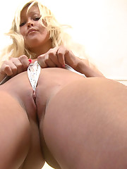 Helen Works Out her Pussy Muscles and Gets Wet!